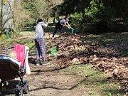 Jarní úklid Americké zahrady