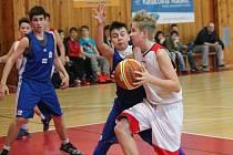 Liga mladších žáků: BK Klatovy (bílé dresy) - Sokol Pražský 66:75
