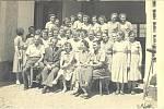 Zatím co naše ratolesti sradostí chodily do školy, jejich mámy plnily tvrdé normy vmístním závodě Šumavan.