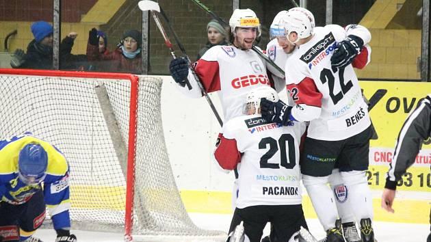 2. liga 2016/2017: SHC Klatovy (bílé dresy) - HC Kobra Praha 7:3