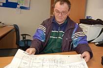 Pavel Hasala nad plány sklárny s kavárnou