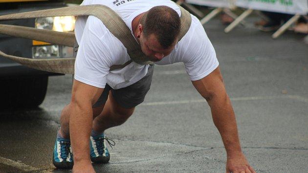 Nejlepší amatérští strongmani se setkali o víkendu v areálu Auto Nejdl