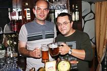 Beerweb Klatovanů Milana Krejčíka (vpravo) a Pavla Špety funguje od konce letošního června.