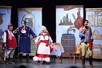 Pohádka Obušku z pytle ven v klatovském divadle.