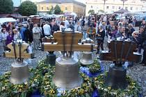Svěcení zvonů v Kašperských Horách.