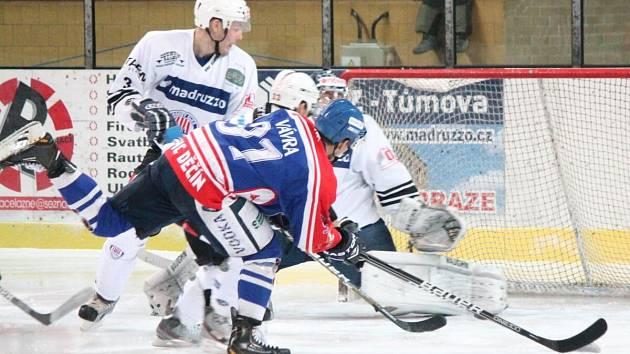 II. liga SHC Klatovy (bílé) - HC Děčín 1:5.