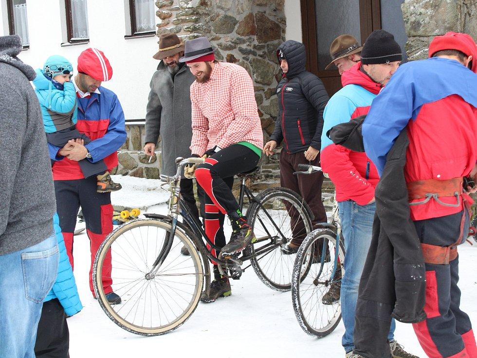 Svatomartinský sjezd odstartoval 11. listopadu v poledne na vrcholu Pancíře.