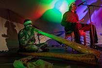 Trio Malawurr, Larry Gurruwiwi se svými bratry Vernonem a Jasonem přijeli poprvé do Česka a vystoupili v Chudenicích.