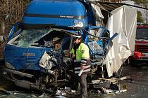 Pondělní nehoda dvou nákladních aut u Rabí