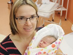 Tereza Šimunová zKlatov (3290 g, 48 cm) se narodila vklatovské porodnici 15. srpna v11.47 hodin. Rodiče Hana a Zdeněk přivítali svoji dceru na svět společně vden svátku maminky. Doma už na sestřičku netrpělivě čeká Anetka (5).