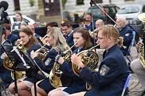 Z koncertu 'Pocta Františku Kmochovi' na Karlově náměstí v Kolíně.