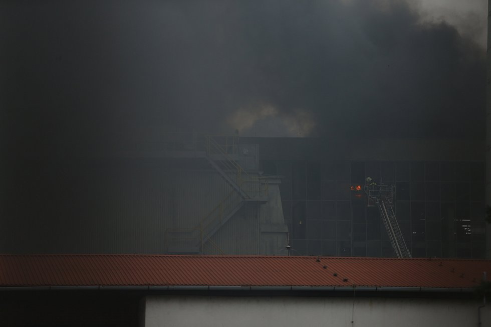 K výbuchu a následnému požáru došlo v kolínské elektrárně v pondělí 28. prosince.