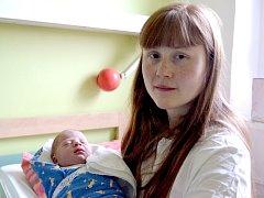 Tříletý Jaroušek se dočkal bratříčka. Patrik Sokol se narodil 19. prosince 2013 s výškou 50 centimetrů a váhou 3140 gramů. Maminka Veronika a tatínek Jaroslav žijí s chlapci v Pečkách.