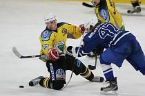Z hokejového utkání play off druhé ligy Kolín - Kutná Hora (2:3)