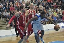 Z utkání BC Geosan Kolín - Jindřichův Hradec (84:86).