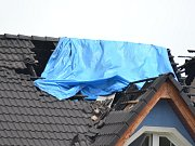 Blesk v Kolíně zasáhl rodinný dům.