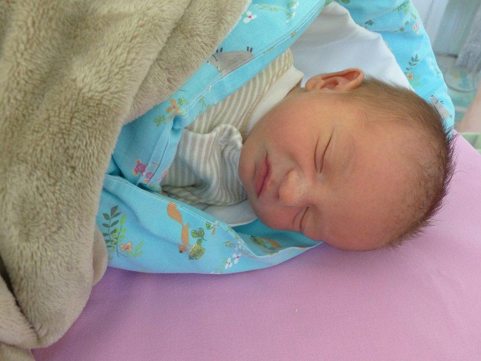 Michal Říha se narodil 11. listopadu 2019 v kolínské porodnici a vážil 3240 g. V Sokolči bude vyrůstat s maminkou Ivanou a tatínkem Michalem.
