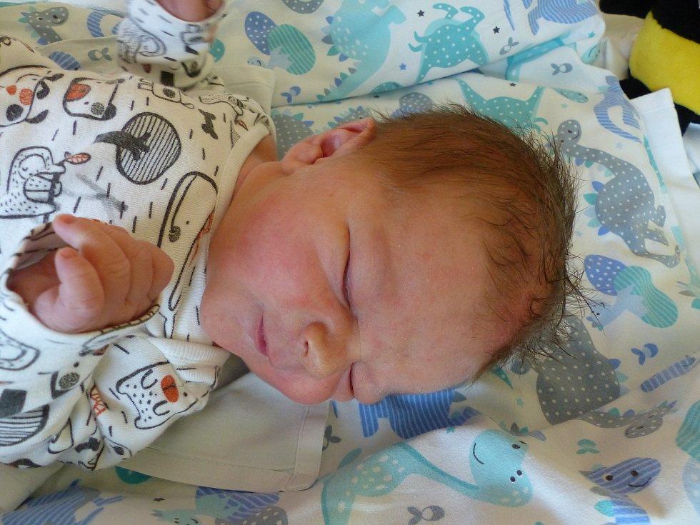 Jiří Kuška se narodil 21. října 2019 v kolínské porodnici, vážil 3655 g a měřil 46 cm. Domů do Solopysk odjel se sestřičkou Dominikou (7) a rodiči Darinou a Jiřím.
