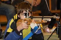 Další závod ve sportovní střelbě uspořádal oddíl sportovní střelby Domu dětí a mládeže Kolín v prostorách areálu Rimavské Soboty