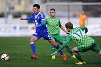 Z utkání Loko Vltavín - FK Kolín (0:2).