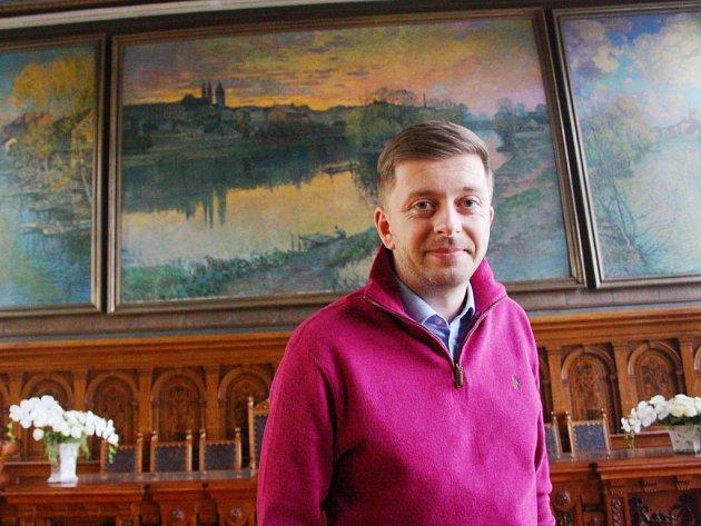 Kolínský starosta Vít Rakušan v obřadní síni kolínské radnice.