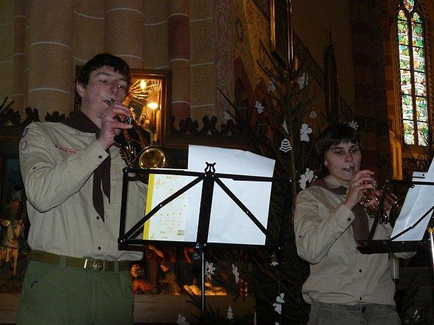 Koncert pořádaný junáky v Kouřimi.
