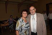 Pomlázka se třepetala i v rukou tancujících seniorů.
