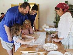 Řemeslné pohádkové léto ve skanzenu - pekařka.