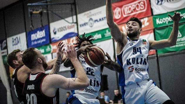 Z utkání BC Geosan Kolín - Svitavy 90:95.