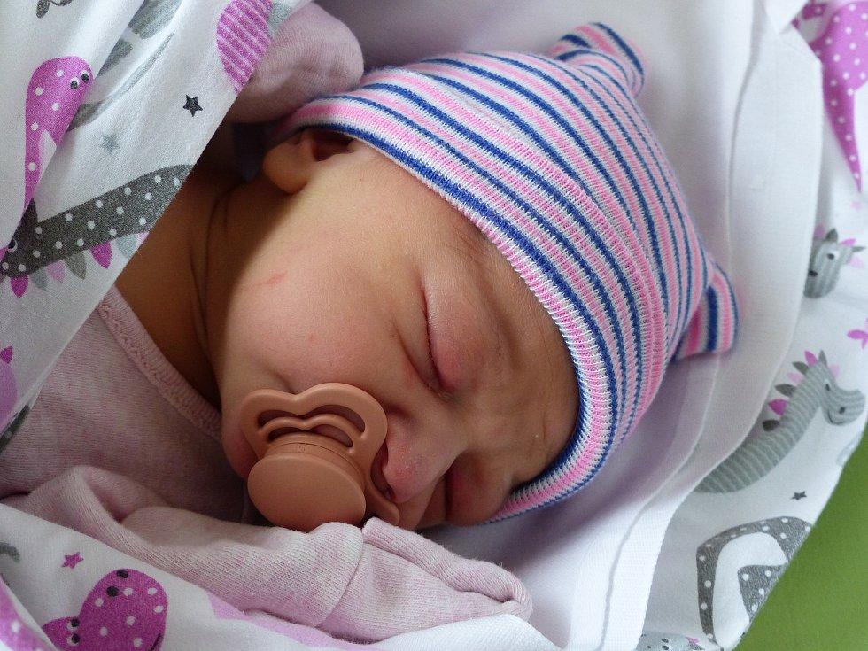 Elizabeth Jiráňová se narodila 7. dubna 2021 v kolínské porodnici, vážila 3195 g a měřila 50 cm. V Kolíně se z ní těší maminka Barbora a tatínek Robin.