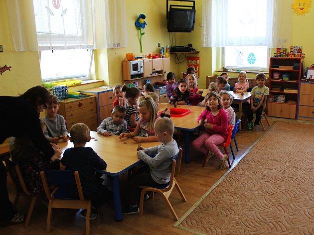 Děti vMateřské škole vBýchorech.
