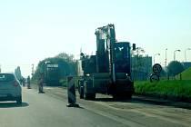 Opravy silnic pokračují
