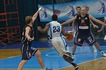Z utkání BC Farfallino Kolín - Děčín (73:82).
