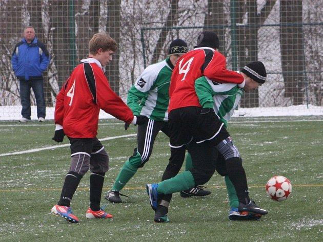 Z utkání zimního turnaje Červené Pečky - Zásmuky (2:2).