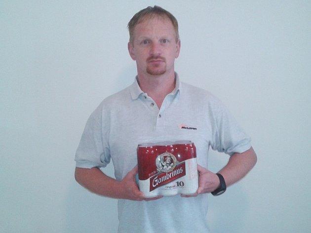 Marek Zrivka ze Zásmuk získal karton piv značky Gambrinus.