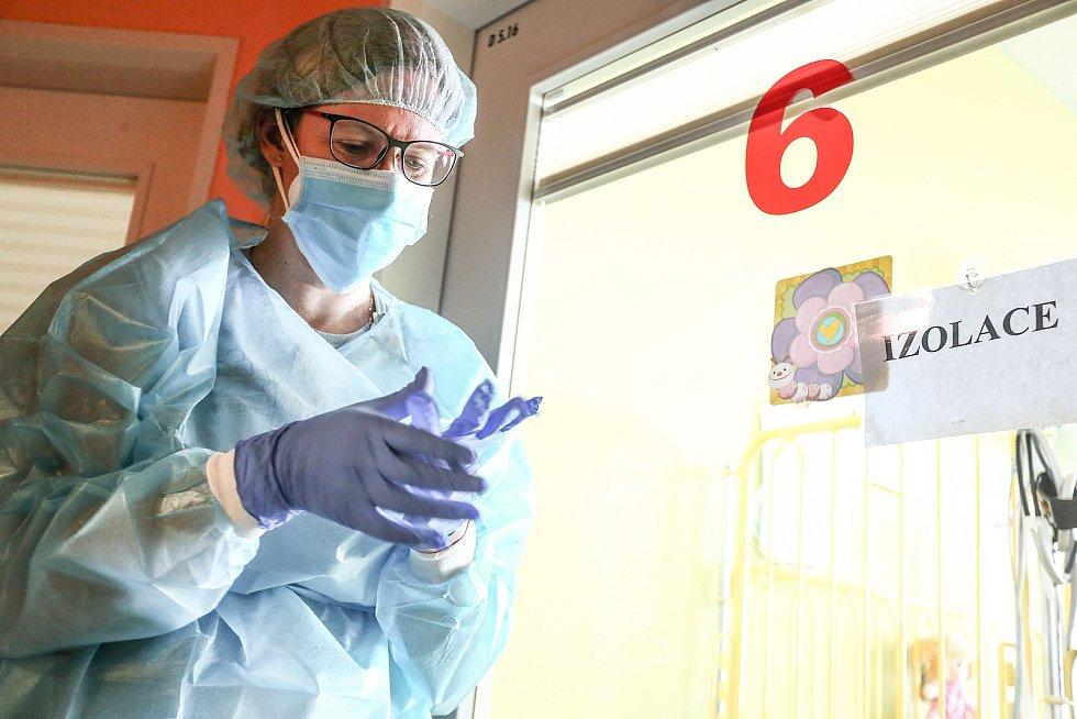 Na dětském oddělení Oblastní nemocnice Kolín.