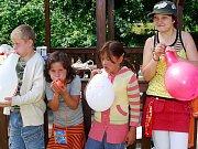 Deváťáci připravili soutěže pro své mladší spolužáky