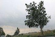 Déšť se přihnal nad Kolínsko.