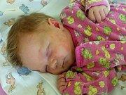 Emma Bachová se narodila 6. června 2019, vážila 3000 g a měřila 49 cm. V Louňovicích bude bydlet se sestřičkou Adélou (6) a rodiči Petrou a Petrem.
