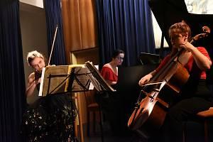 Kruh přátel hudby: z koncertu Quasi tria v komorním sále Městského společenského domu v Kolíně.