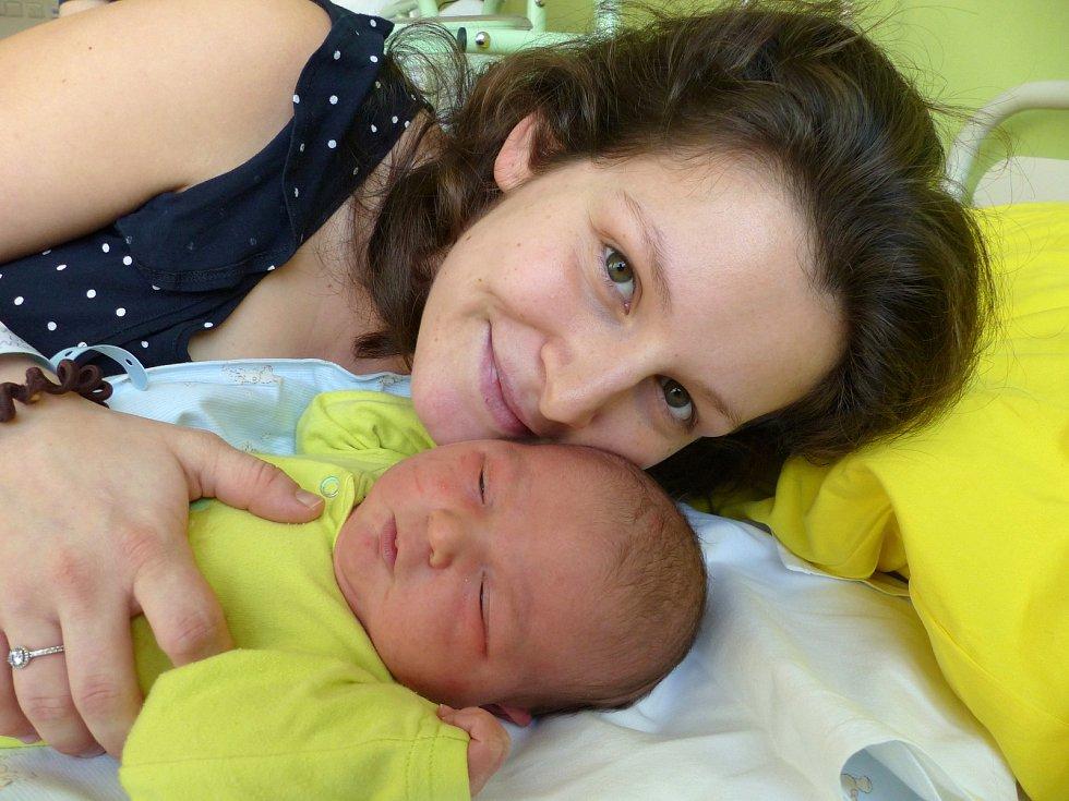 Vojtěch Čeněk Dostál se narodil 5. února 2019, vážil 4060 g a měřil 53 cm. V Sendražicích ho přivítali bráška Tomáš Ráhul (1,5) a rodiče Karolína a Jan.