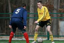 Z utkání na zimním turnaji v Kostelci nad Černými lesy Tuchoraz - Pečky (2:2).