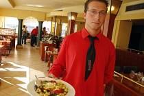 Potěšení z dobrého oběda může zkazit až přemrštěný účet.