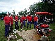SDH Rostoklaty se od minulého roku účastní i soutěží v požárním útoku