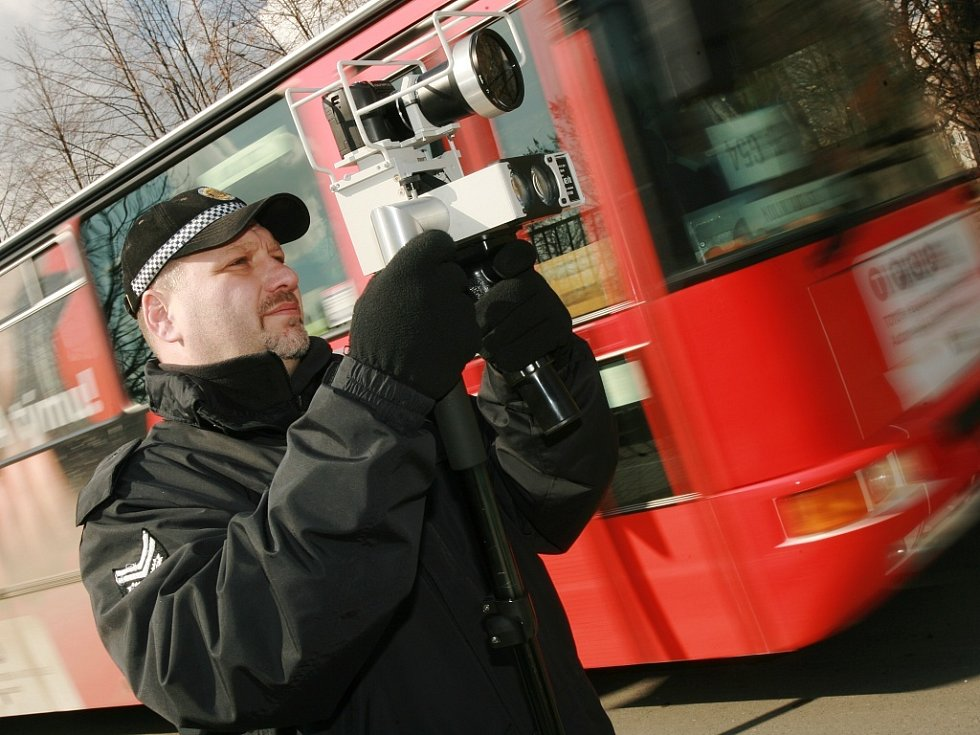 Měření rychlosti radarem městskou policií v Kolíně.