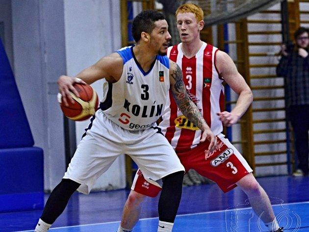 Z utkání BC Geosan Kolín - Pardubice (97:89).