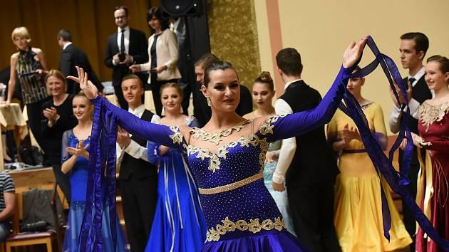 Z Memoriálu Bohuslava Matiáše, soutěže ve společenském tanci na Zámecké v Kolíně.