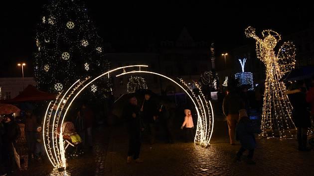 Rozsvícení vánočního stromu v Kolíně.