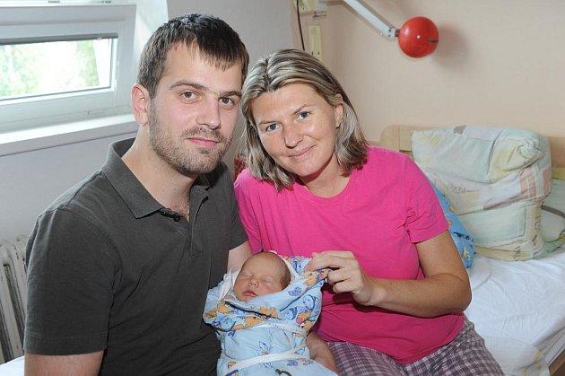 Tatínek Pavol přišel do porodnice navštívit prvorozeného syna Šimona Dovjaka, který se s váhou 3 250 gramů a nezměřenou výškou narodil 3. července, a maminku a partnerku Andreu. Všichni společně žijí v Kolíně.