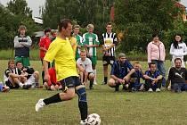 Z fotbalového turnaje v malé kopané v Bělušicích.